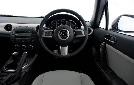Mazda MX-5 Kuro Edition Interior