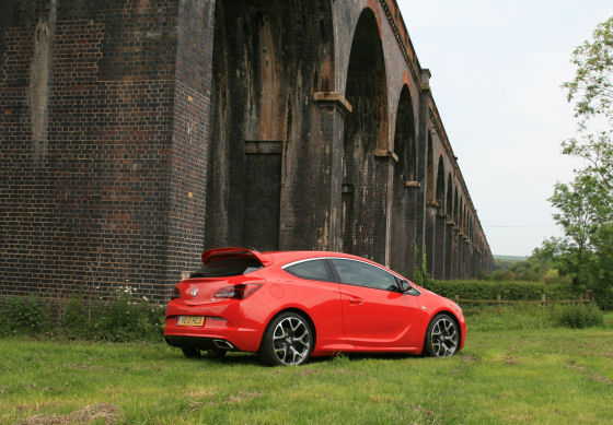 Vauxhall Astra VXR Review 2012
