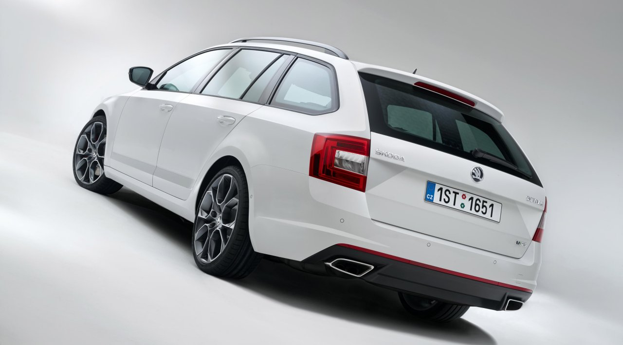 skoda-octavia-vrs-estate-2013-02