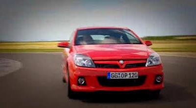 Vauxhall Astra VXR vs. Renaultsport Megane 225