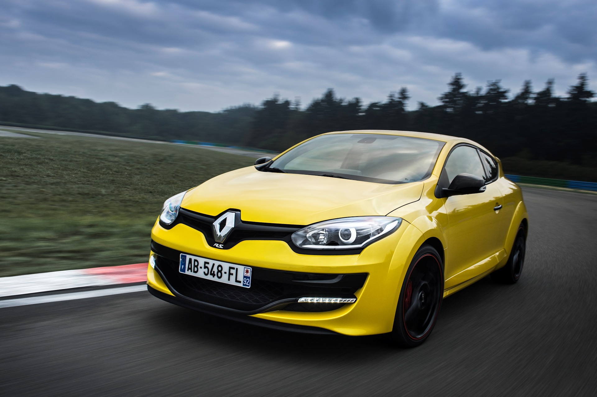 2014 Mégane Renaultsport 265 – Video, Gallery & Stats